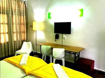 CherryLoft Resorts Singapore - STUDIO CHALET NEAR POOL (TWIN) Regular Plan