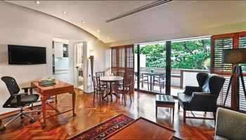Goodwood Park Hotel Singapore - Parklane Split Level Studio (3-5 min walk from main building) - Max. 3 pax in total Regular Plan