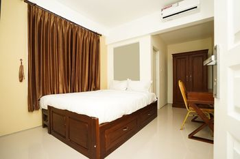 Erga Family Residence Surabaya - Standard Double Room Regular Plan