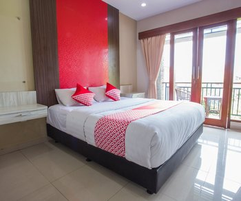 OYO 1004 The Radiance Guesthouse Bali - Standard Double Room Regular Plan