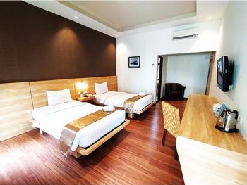 Kuraya Residence Bandar Lampung - Cabana Twin Room Regular Plan