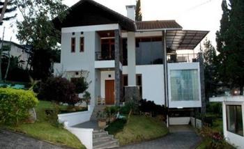 Villa Gerbera II Istana Bunga - Lembang Bandung