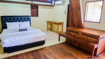 Phinisi Hostel Bira Bulukumba - Family Room Only Regular Plan