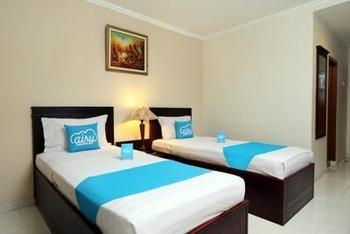 Airy Doktor Wahidin Sudirohusodo 2 Tegal - Standard Twin Room with Breakfast Special Promo June 33