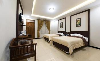 Hotel Wisma Djaja Syariah Bojonegoro - Deluxe Double Or Twin Regular Plan