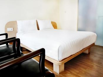 Business Hotel Jakarta - Deluxe Double Regular Plan