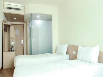 Business Hotel Jakarta - Deluxe Twin Regular Plan
