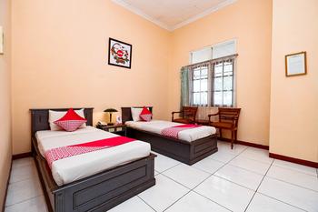 OYO 2495 Hotel Wijaya Banyumas - Deluxe Twin Room Early Bird