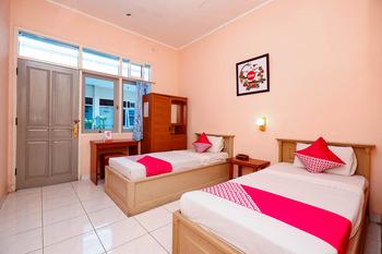 OYO 2495 Hotel Wijaya Banyumas - Standard Twin Room Last Minute