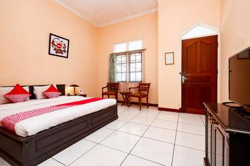 OYO 2495 Hotel Wijaya Banyumas - Suite Double Room Early Bird