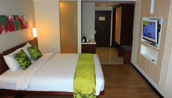 M Regency Makassar - Deluxe Double Regular Plan