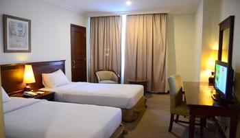 M Regency Makassar - Superior Twin Room Only Regular Plan