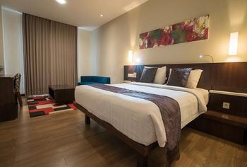 M Regency Makassar - Deluxe Suite Room Regular Plan