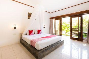 OYO 1306 Sammy Homestay Lombok - Deluxe Double Room Regular Plan