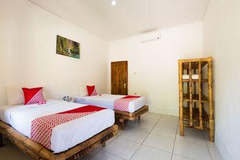 OYO 1306 Sammy Homestay Lombok - Standard Twin Room Regular Plan