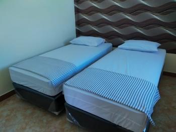 Thalia Guesthouse Banyuwangi - Budget Room (Twin Bed) with Sharing Bathroom Regular Plan