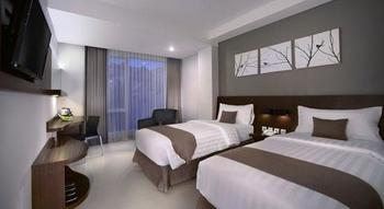Neo  Denpasar - Deluxe Room Regular Plan