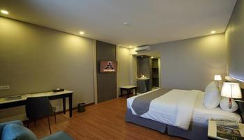 Pyramid Suites Hotel Banjarmasin - Grand Deluxe Room Regular Plan