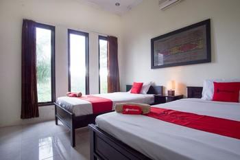 RedDoorz Syariah near Ngade Lake Ternate - RedDoorz Room Today's Deals