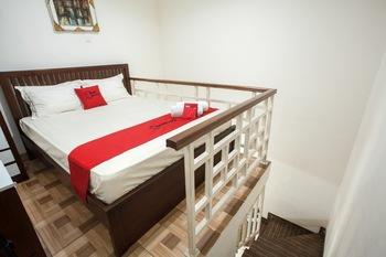 RedDoorz @ Mayjen Sungkono Surabaya - RedDoorz Premium Regular Plan