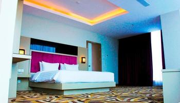 S-One Hotel Palembang by Tritama Hospitality Palembang - S-Suite Room Great Deal