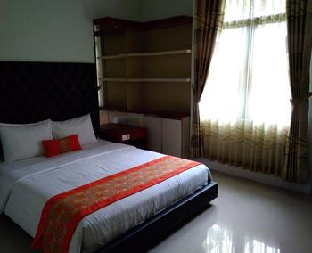 Hotel Bumi Katineung Lebak - DELUXE  ROOM Regular Plan