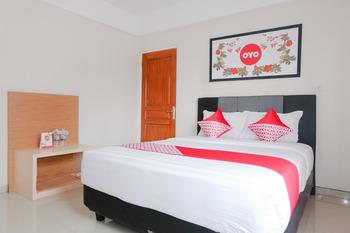 OYO 696 Hasanah Guest House Syariah De Saphire Malang - Standard Double Room Regular Plan