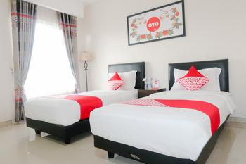 OYO 696 Hasanah Guest House Syariah De Saphire Malang - Standard Twin Room Regular Plan