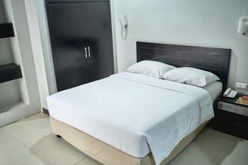 Celebes Hotel Hasanuddin Makassar - Deluxe Room Basic Deal 13%