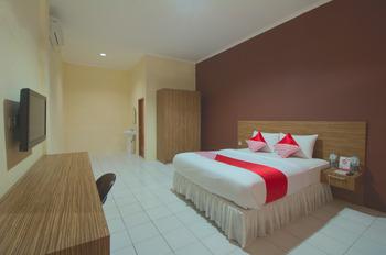 OYO 688 Grand Pakidulan Hotel Sukabumi -  Suite Double Room Regular Plan