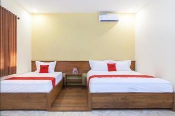RedDoorz near Baluran National Park Situbondo - RedDoorz Family Room Regular Plan