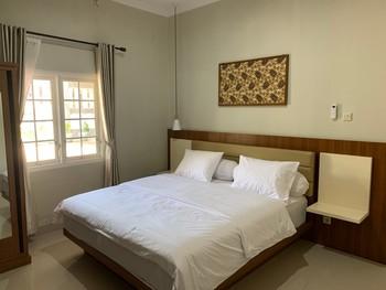 Griya Sambilegi Maguwoharjo Yogyakarta - Deluxe Room KETUPAT