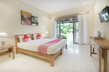 OYO 516 Kudesa Home Stay Bali - Deluxe Double Room Regular Plan