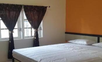 Graha Soeltan Hotel Medan - Economy Room Basic Deal 40%