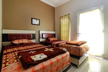 Graha Soeltan Hotel Medan - Deluxe Room  Min. Stay 45%