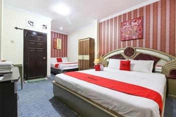 RedDoorz near Plengkung Gading Yogyakarta - RedDoorz Family Room with Breakfast Regular Plan