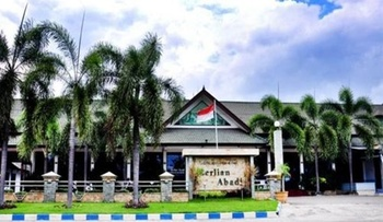 Berlian Abadi Hotel