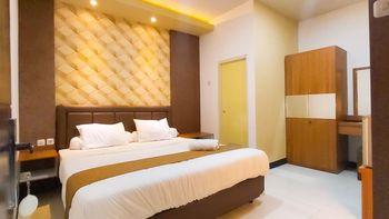 Merr 57 Surabaya - Deluxe Room Only Regular Plan