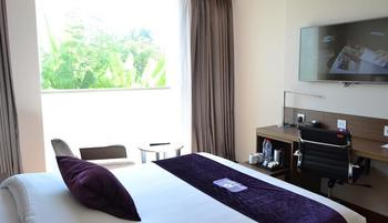 Premier Inn Surabaya� - Queen Classic, Smoking Regular Plan