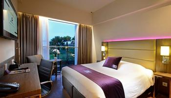 Premier Inn Surabaya� - Superior Double Bed Regular Plan