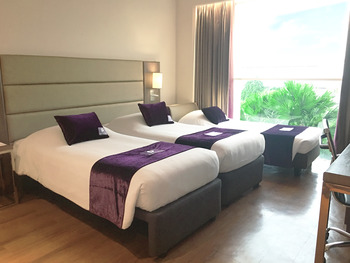 Premier Inn Surabaya� - Triplet Premier Large Room Flash Sale