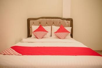 OYO 184 Grand Putri Sriwijaya Palembang - Standard Double Room Regular Plan