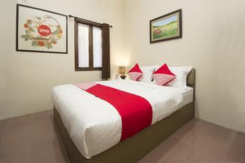 OYO 572 Omah Gedongkuning Syariah Homestay Yogyakarta -  Standard Double Room Regular Plan