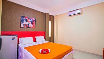RedDoorz near Cilandak Town Square Jakarta - RedDoorz Room With Breakfast Regular Plan