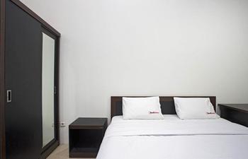RedDoorz @Tebet Utara Street Jakarta - RedDoorz Room Regular Plan