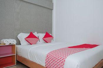 OYO 1454 111 Residence Malang - Standard Double Room Regular Plan