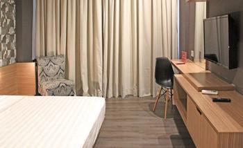ZenRooms Sampoerna Strategic Square Jakarta - Double Room Special Promo