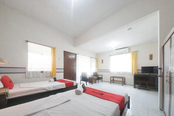 RedDoorz near Balai Kota Malang Malang - RedDoorz Twin Room with Breakfast Regular Plan