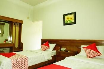 OYO 517 Hotel Arjuna Lawang Malang - Deluxe Twin Room Regular Plan