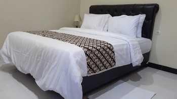 Watumpang Guest House Syariah Borobudur Magelang Magelang - Deluxe Room Min 2 night stay